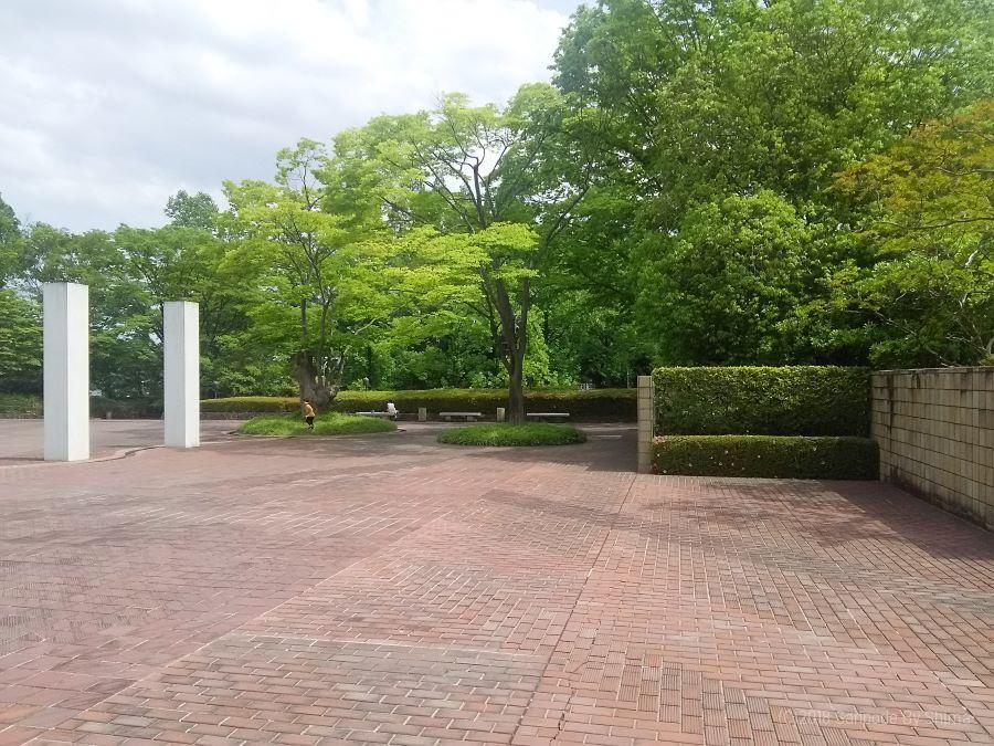 美術館の前庭