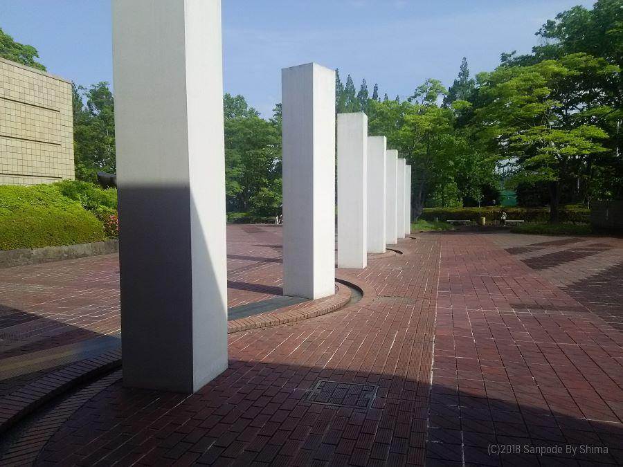 ダニ・カラヴァン氏の彫刻「マアヤン」